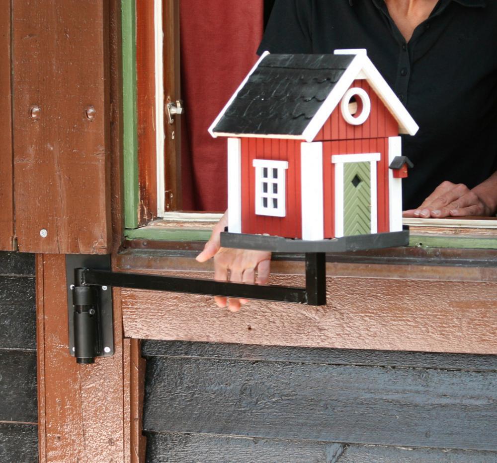 Fönstermonterad fågelmatare