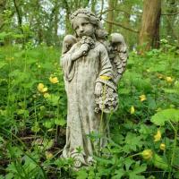 Betongstaty Ängel