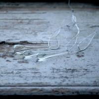 hängande glasdroppar